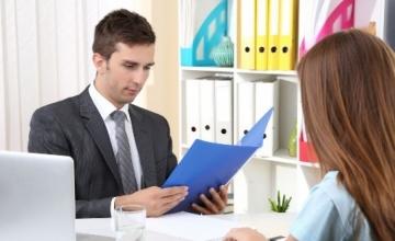 Почему стоит искать работу через кадровые агентства